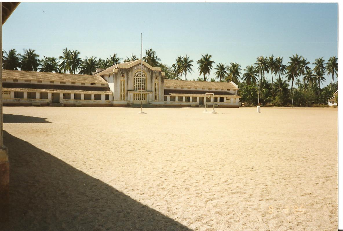Sundram - Hostels 9-12 with Sangeet Bhawan in the middle - March 1990